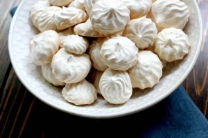 Simple Gluten-Free Vanilla Meringue Cookies