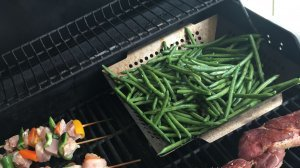 Easy Garlic-Olive Oil Grilled Green Beans